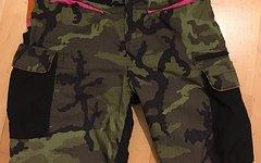 Spacejunks Shorts  Größe ~ 32