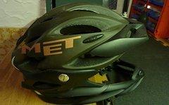 MET Helm, abnehmbarer Kinnschutz