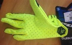 Royal Quantum Glove S