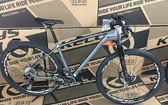 Kellys Bicycles Stage 70 Carbon FOX-32 XT-Gruppe Mavic LRS