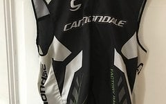 "Cannondale Herbst Weste ""Factory Racing""  Gr. L/G"