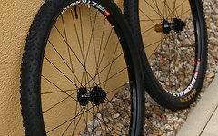 Hope HOOPS HR 650b Pro2 Evo SP + No Tubes Arch EX + Maxxis Tubeless - TOP !