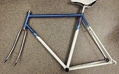 Cia Battino Stahl-Rennradrahmen RH 58cm, weiß-blau mit Chrom-Gabel, Steuersatz, Alu-Aero-Sattelstütze und Kashimax Sattel (weiß) (Singlespeed/Fixie tauglich)