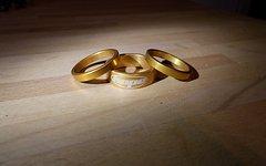 Hope Spacer (1*10mm, 2*5mm) gold