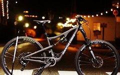 "Santa Cruz Bronson NEU 27,5"" 2.0 CC XO1A Black/ Grey in S"