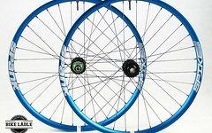 Spank Spike 33 Laufradsatz mit Hope Pro 4 Evo Naben 20/110mm - 12/150/157mm