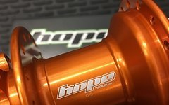 Hope Pro 4 Rear 32H 142 x 12 Orange NEU!