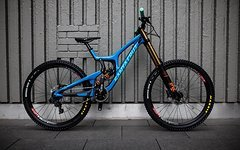 Santa Cruz V10.6 CC 27.5 Carbon (Fox 40, DHX2, SixC, ...) *NAGELNEU - AKTION*