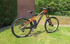 Mondraker Summum Carbon Pro Downhill Bike/ Custom/ Mod. 2016/ Gr. M/ wie NEU & BESSER ALS ORIGINAL !!!