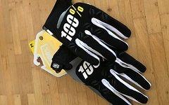 100% Airmatic Gloves Gr. M *NEU* OVP
