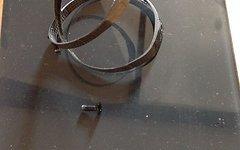 Tune Wasserträger Flaschenhalter Carbon inkl. Aluschrauben 12g
