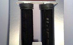 DMR ZipGrip Griffe *neu* mit schraubbaren Endstopfen grau / schwarz