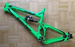 "Banshee Rune V2 fluo-green ""L"" inkl. fast neuem Monarch Plus RC3"