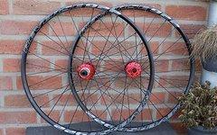 Reverse Components Custom All Mountain Laufradsatz mit 922 Felgen *AKTION*