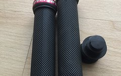 Reverse Components Grip Classic Black/Red
