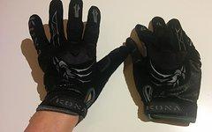 Kona Handschuhe