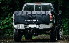 "Race Face TAILGATE PICKUP PAD - BLACK, SMALL / MEDIUM 5'7"" Fahrradträger"