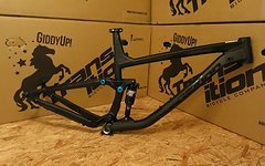 Transition Bikes 2016 SMUGGLER Rahmenkit inkl. RockShox Monarch RT3 Debonair Rear Shock -