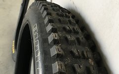 Maxxis High Roller II EXO 27,5x2.4 und Specialized Butcher DH 27,5x2.5