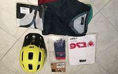 TSG Bundle Trailfox S/M, SLIM Handschuhe L, AK1 Jersey LS 3/4, T-Shirt classic und Banner