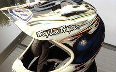 Troy Lee Designs TLD D2 Carbon flames blue