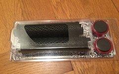 Sixpack Griff K-Trix schwarz mit roten Klemmringen