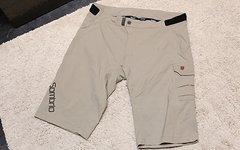Sombrio Shorts L *Lagerverkauf*