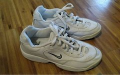 Nike Damen Sportschuhe / Laufschuhe Größe 38