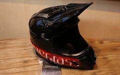 Bluegrass Intox Black Fullface Helm Gr. M *NEU*