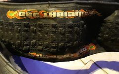 Maxxis fly weight 330