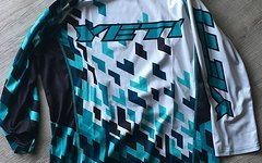 Yeti WC REPLICA YETRIS ENDURO JERSEY LIMITED EDITION Gr. M Farbe YETRIS