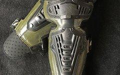 Specialized Knie/Schienbein Protektor