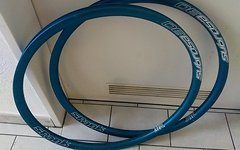 "Spank Subrosa 30 EVO 26"" 559x25 Felge blau Enduro"