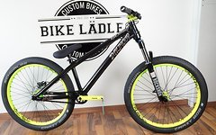 Dartmoor Two4 Player black pearl Custom Dirt/Street Bike Rock Shox Argyle