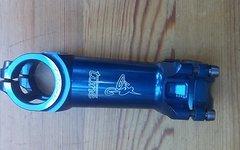 Tune MTB Vorbau in blau, gebraucht, 31,8mm Lenkerklemmung, 90mm lang, 7° Steigung, 114g