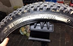Bontrager XR4 team issue, 27,5 x 2,35, 650B Faltreifen
