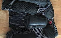 Dainese Protektorenshort Größe XL - 2