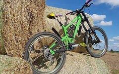 Cove shocker downhill marzocchi. dirt mtb slopestyle