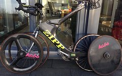 Zipp 2001 Carbon-Bike inkl. zweitem Carbon-Laufradsatz