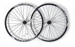 Sun Ringlé Allmountain/Enduro 650B Laufradsatz (Inferno 27 Felgen, Shimano Deore Centerlock Naben, HR 142*12mm) - NEU! von