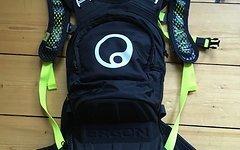 Ergon BE1 Enduro Protect Rucksack Full Face Rücken Protektor Trinkblase camelback