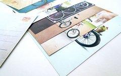 Fahrradkalender + Postkartenset + 3 Sticker '12 Months Of Joy 2017' Illustrationen von Cotic, Surly, Mongoose, Cinelli usw.