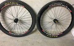 Hope / Novatec / Ztr / Dt Swiss / Maxxis Hope Pro 2 Evo 12x142mm / Novatec 20mm / ZTR / DT Swiss / Maxxis 26""