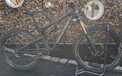 Santa Cruz Bronson CC Gr: L  ohne ENVY 5250€