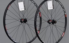 "DT Swiss Laufradsatz X1600 26"" Disc VR QR 15 15mm front / HR 9 x 135mm rear"