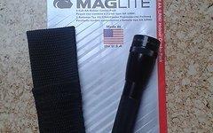 Maglite Mag-Lite M2A01H Mini Maglite AA Taschenlampe 14,5 cm schwarz inkl. 2 Mignon-Batterien und Nylonholster