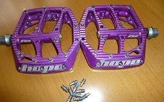 Hope F20 Pedale purple u. Spacer