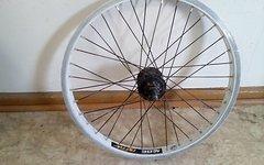 BMX Hinterrad 9er Freilauf Jalco DDW Freestyl und Duro 2,1 Park Reifen