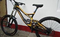 Specialized Demo 8.1 - Gr. M - 2011