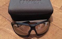 Uvex Sportsstyle 710 v schwarz/ weiss